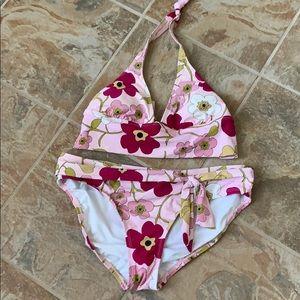 Barely worn Perry Ellis 2 piece swim suit